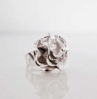 In motion ring4